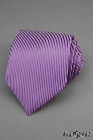 Fioletowy krawat z pionowymi paskami