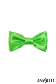 Charakterystyczna zielona muszka dla chłopca