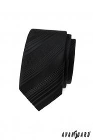 Czarny wąski krawat w różne paski