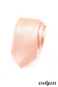 Wąski krawat w odcieniu łososia