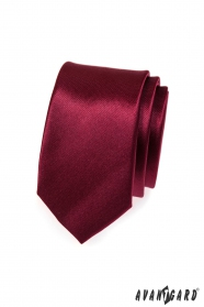 Prosty gładki wąski bordowy krawat