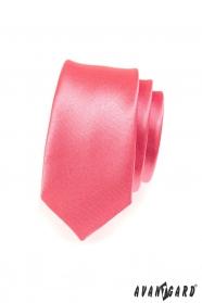 Wąski krawat w kolorze koralowym