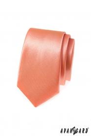 Wąski krawat w tonacji łososia