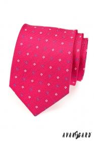 Krawat w kolorze fuksji w niebieskie i białe kwadraty