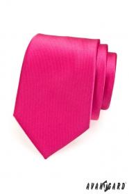 Klasyczny krawat w kolorze fuksji