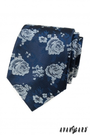Niebieski krawat, białe róże