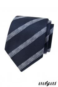 Krawat w niebieskim kolorze z białym paskiem