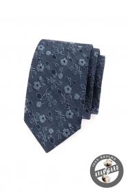 Niebieski wąski krawat, jeansy z kwiatami