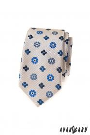 Beżowy, wąski krawat z niebieskim wzorem