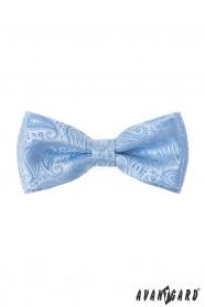 Muszka Paisley z poszetką w błyszczącym niebieskim kolorze