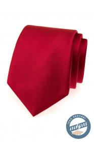 Czerwony jedwabny krawat w pudełku