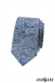 Niebieski wąski krawat we wzór paisley