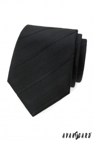 Czarny krawat w ukośne paski