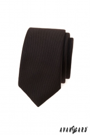 Ciemnobrązowy wąski krawat