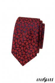Wąski krawat z czerwonym wzorem
