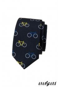 Niebieski wąski krawat, kolorowy wzór rowerowy